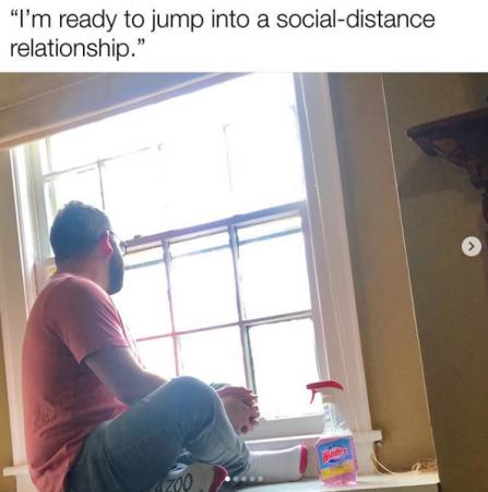 """""""Je suis prêt à m'engager dans une relation à distance sociale"""""""