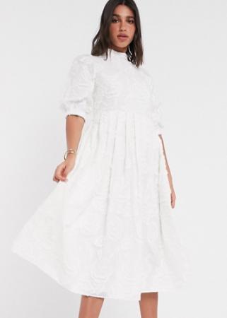 Crèmekleurige midi-jurk met korte mouwen