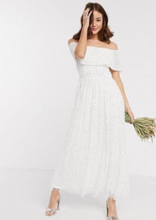 Witte maxi-jurk bezet met pailletten