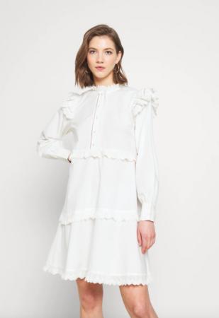 Korte jurk met ruches en knopen