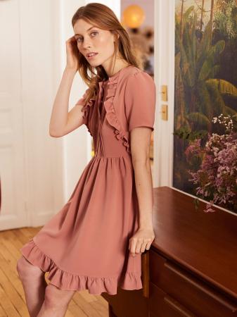 Robe courte rose poudrée – 99€