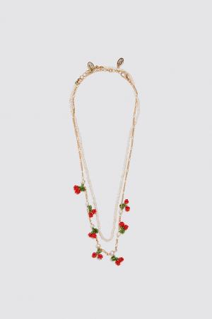 Ensemble de colliers avec perles et cerises