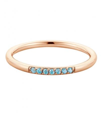 Gouden ring met blauwe stenen