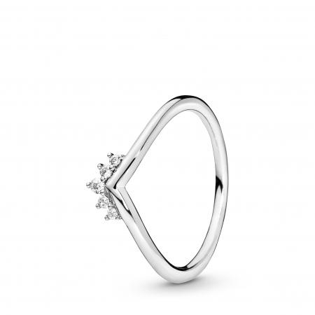 Ring met vijf klauwgezette transparante zirkonia's