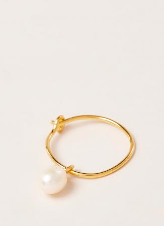 Boucle d'oreille en plaqué or avec perle