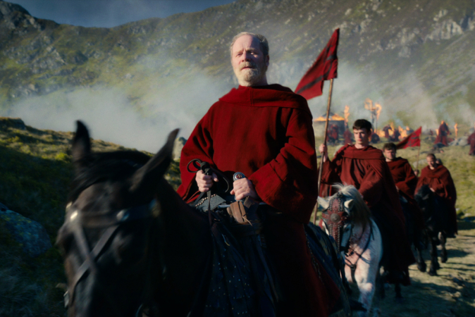 Peter Mullan als Father Carden