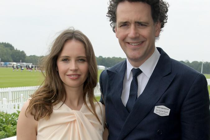 Felicity Jones et Charles Guard