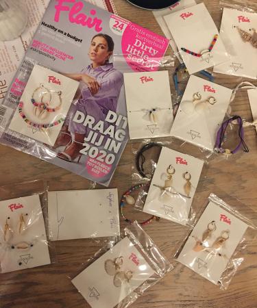 Om hebberig van te worden: uit al deze geweldige juwelen stelden wij onze unieke set van Flair x Les Soeurs samen, die je deze week bij Flair kan kopen.