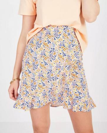 Witte rok met bloemenprint