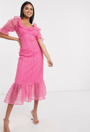 Zuurstokroze midi-jurk met pofmouwen en ruches