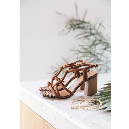 Sandalen met brede hak