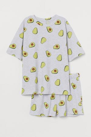 Shortama met avocadoprint