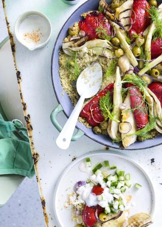 Ovenkip met quinoa, fetaroom en komkommersalsa