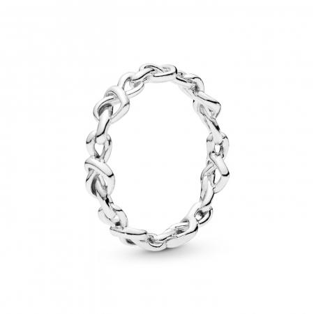 Zilveren ring met hartjes