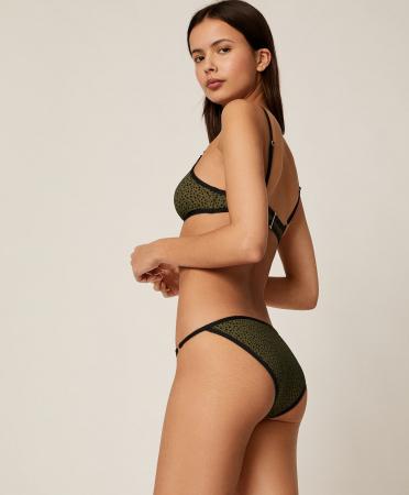 Groene bikini met vlekjes