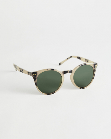 Lichtkleurige zonnebril