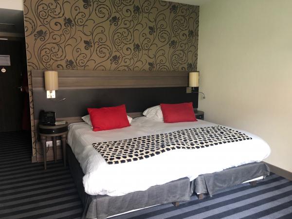 La chambre de l'hôtel Van Der Valk Sélys