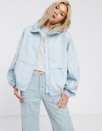 Lichtblauw jasje