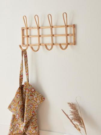 Wandkapstok in rotan met vier haken