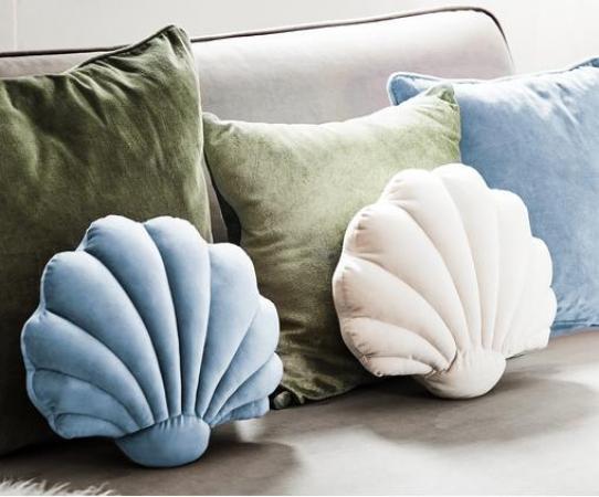 Schelpvormig kussen in fluweel (beschikbaar in verschillende kleuren)