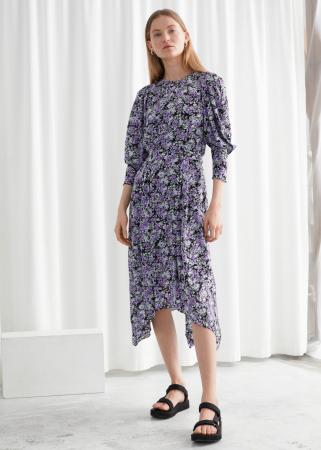 Midi-jurk met paarse bloemenprint en asymmetrische zoom