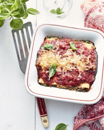 Vegetarische cannelloni met spinazie en pittige tomatensaus