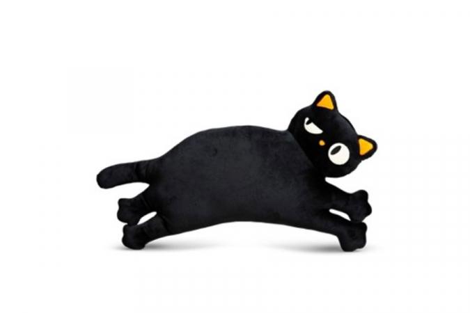 Coussin en forme de chat noir