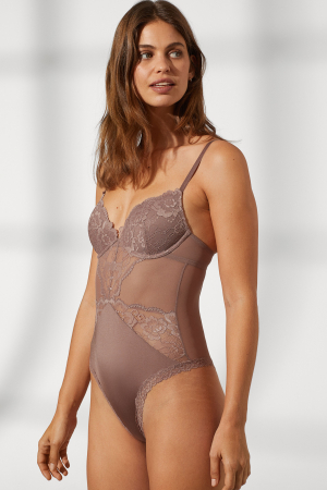 Taupe body