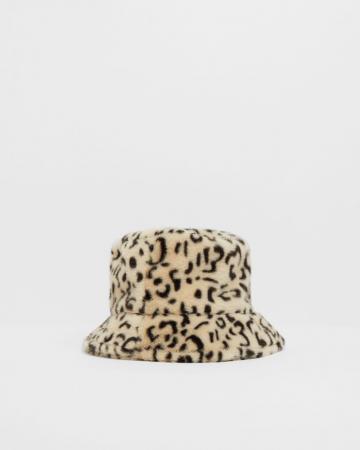 Fluffy bucket hat met panterprint