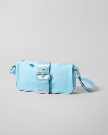 Lichtblauwe tas met gesp