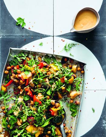 Gegrilde groenten met warme chili-tahin