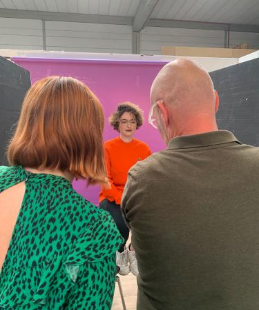 Journalist en activist Inke stond eerder al op onze cover en schittert deze week in onze brillenspecial.