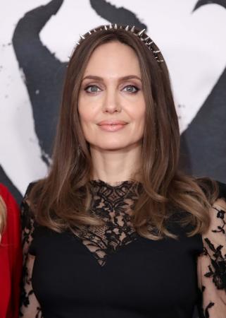 Angelina Jolie – depressie
