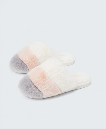 Driekleurige pantoffels
