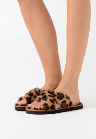 Slippers in dierenprint