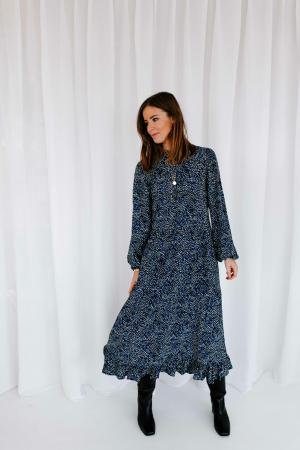 Blauwe maxi-jurk met lange mouwen en stippenmotief