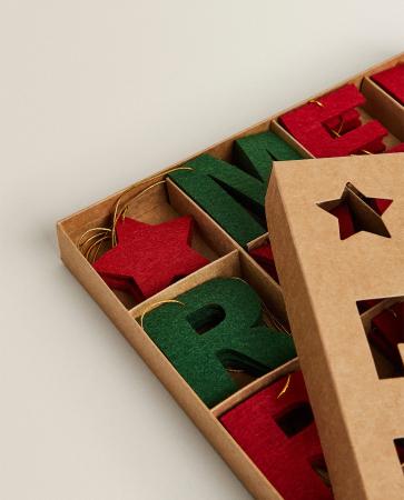 'Merry Christmas' letterhangers