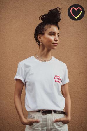 Basic T-shirt met quote 'Livin' la vida broka'