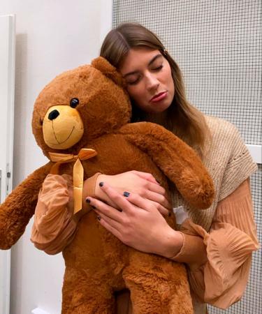 Deze teddybeer haalde de shoot helaas níet, maar deze week in Flair ontdek je wel de leukste bruine outfits.