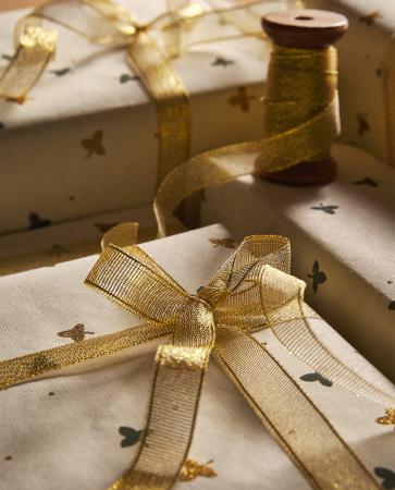 Goudkleurig cadeaulint