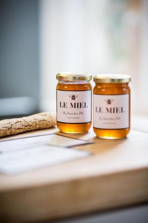 Du miel local by Amandine Poli
