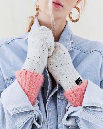 Crèmekleurige handschoenen
