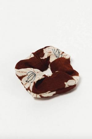 Un scrunchie bicolore