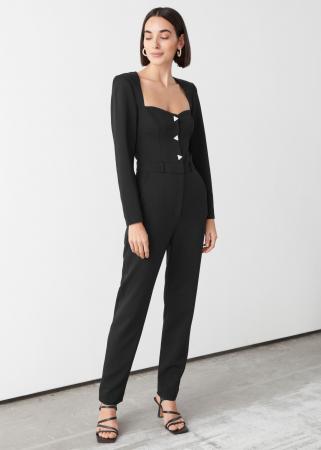 Zwarte jumpsuit met hartvormige halslijn