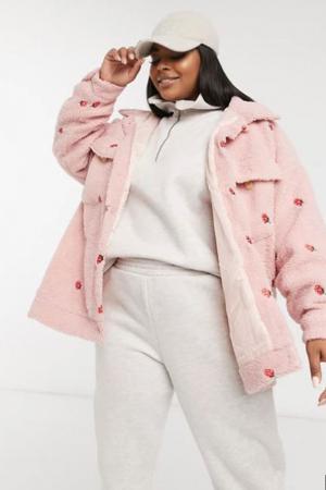 Oversized jacket met aardbeien