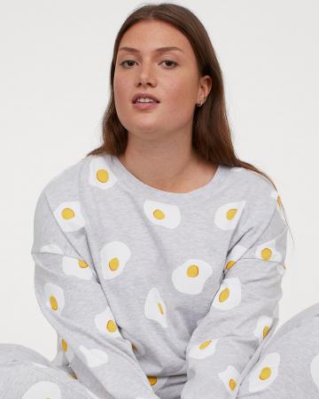 Pyjama met eieren