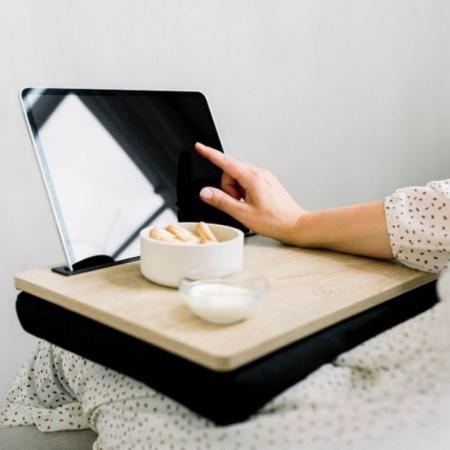 Laptopschootkussen + tafel