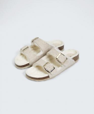 Sandales doublées de fausse fourrure à deux boucles