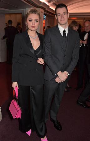 Aimee Lou Wood (Aimee) et Connor Swindells (Adam) de 'Sex Education'