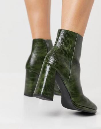 Groene laarzen in croco